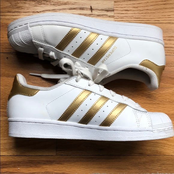 HOT! Adidas Superstar White with Gold Stripe